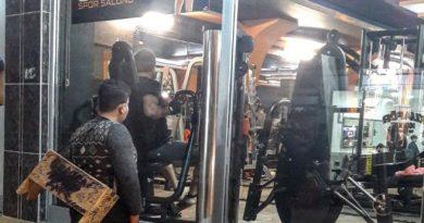 Dzięki temu zdjęciu, biedny 12-latek otrzymał dożywotni karnet na siłownię
