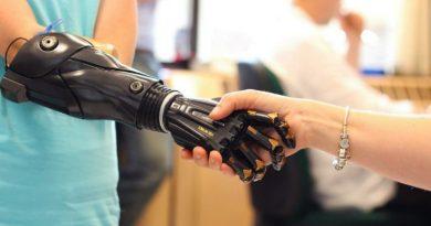 Bioniczne ramię Hero Arm rośnie wraz z ciałem właściciela… może być stosowane u dzieci i jest o połowę tańsze