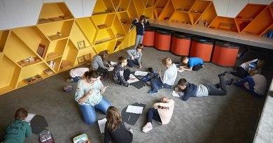 Najlepsza szkoła na świecie znajduje się pod Warszawą. Nie mają tam ławek ani podręczników
