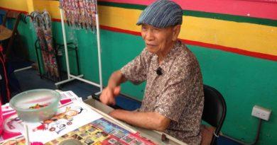 Huang Yung-Fu, 96-letni były żołnierz, w niekonwencjonalny sposób powstrzymał władze przed wyburzeniem swojego domu