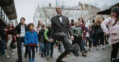 """""""Marsz Dziwnych Kroków"""" na ulicach Budapesztu"""