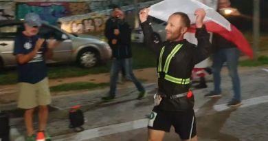 Polak rekordzistą w biegu na 490 km. Dystans pokonał w mniej niż 70 godzin