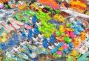 Dzieci nie potrzebują tylu plastikowych zabawek, więc przestańmy im je kupować