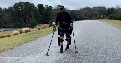 Sparaliżowany pokonał maraton w egzoszkielecie