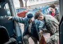 Żołnierze WOT pomagają Powstańcom Warszawskim