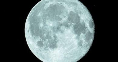 """W ten weekend na niebie zagości """"Śnieżny Księżyc"""". To jedna z największych pełni Księżyca w 2020 r."""