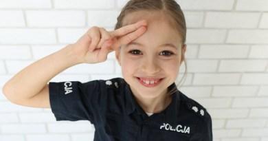 Policjanci z Łodzi znaleźli sposób na nudę. Do projektu zaangażowali 8-latkę