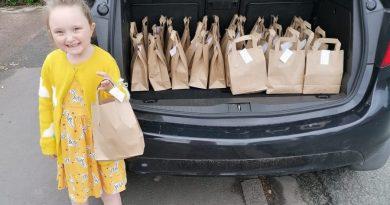 Niepełnosprawna 5-latka rozdała 1000 paczek z drobnymi prezentami
