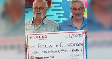 30 lat temu zawarł pakt, że podzieli się wygraną na loterii – dotrzymał słowa