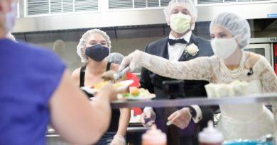 Nowożeńcy znaleźli piękny sposób na nadmiar weselnego jedzenia