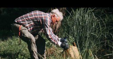 71 letni pan Waldemar codziennie wyciąga z rzek i lasów setki kilogramów śmieci. Teraz sam potrzebuje pomocy