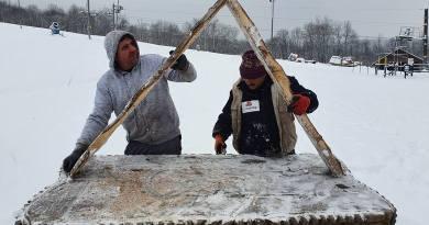 Modlitwa na stoku narciarskim? Kreatywne pomysły przeciw rządowym restrykcjom