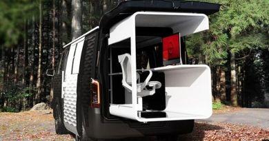 Nissan zaprezentował samochód biurowy, który pozwala pracować z dowolnego miejsca