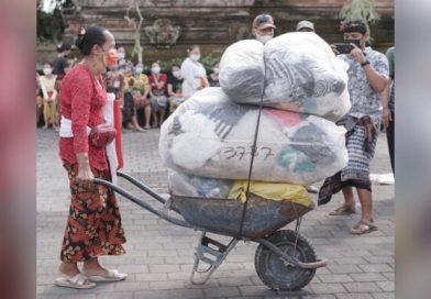 Jedzenie za plastik. Dzięki tej akcji zebrano 500 ton śmieci!