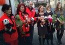Ponad 5 tys. pluszaków dla krakowskiego pogotowia