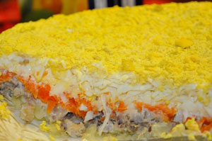 """Салат """"Мимоза"""". Рецепт с пошаговой инструкцией приготовления. Фото"""