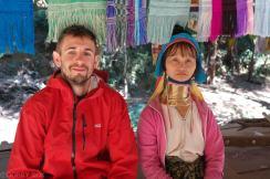 Wioska kobiet z długimi szyjami (1)