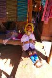 Wioska kobiet z długimi szyjami (2)