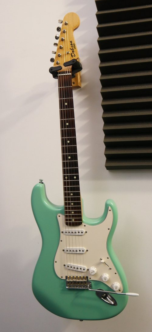 small resolution of post navigation sold rare gibson s1
