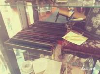 Contenu de la vitrine - 2 - Collection de baguette (Harry, Hermione, Bellatrix Lestrange et Fleur Delacour)