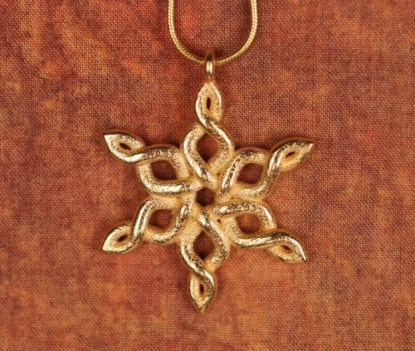Snowflake Necklace - Gold-plated steel