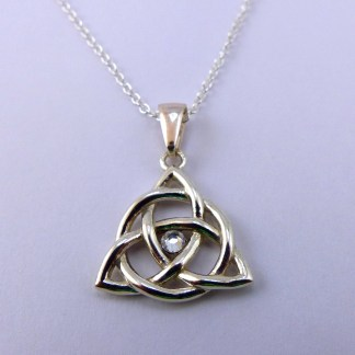 Triquetra with Crystal