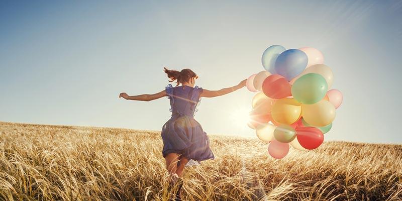 Concepto de cumplir tus metas y felicidad