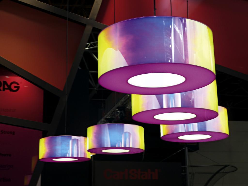Plexiglas Optical Regenbogenfarbig Spiegelnd Kratzfest - Pdf
