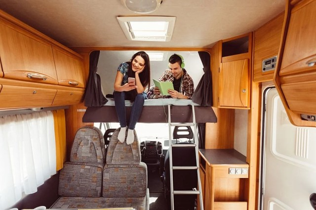 How to Remove RV Light Covers