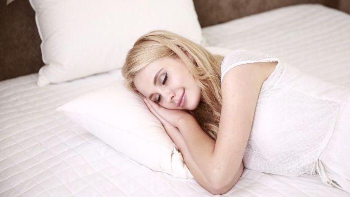 Cómo conciliar el sueño de manera natural (Foto: Pixabay)