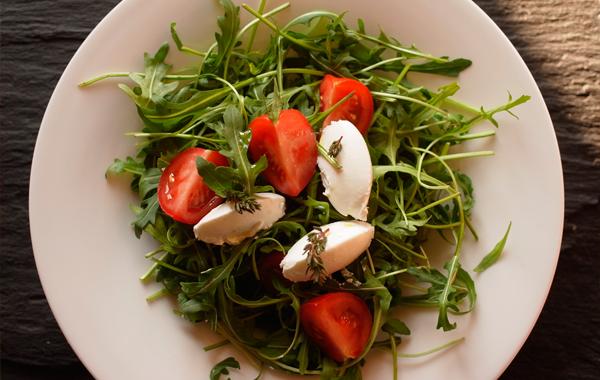 salade de roquette au chèvre frais