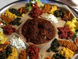 doro wat on injera ethiopie plat traditionnel