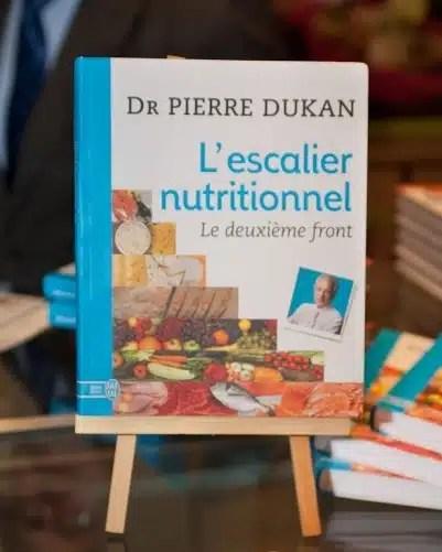 """Pierre Dukan révolutionne le """"régime Dukan"""" en lançant un nouveau régime"""