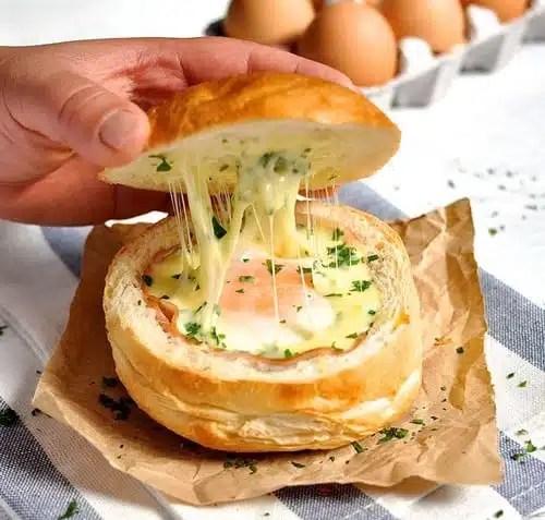 Soupe en bol jambon oeufs fromage