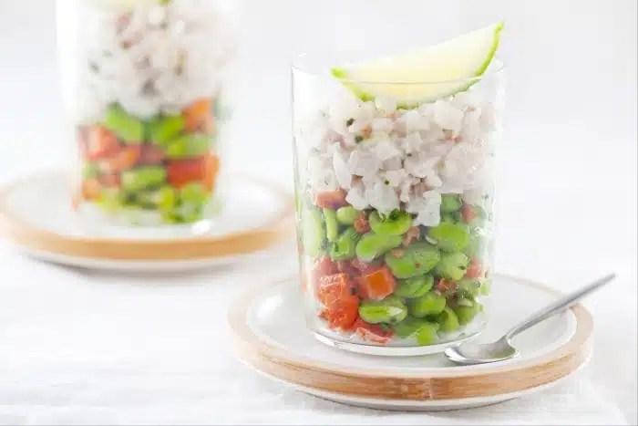Tartare de daurade, salade de fèves crues et cuites