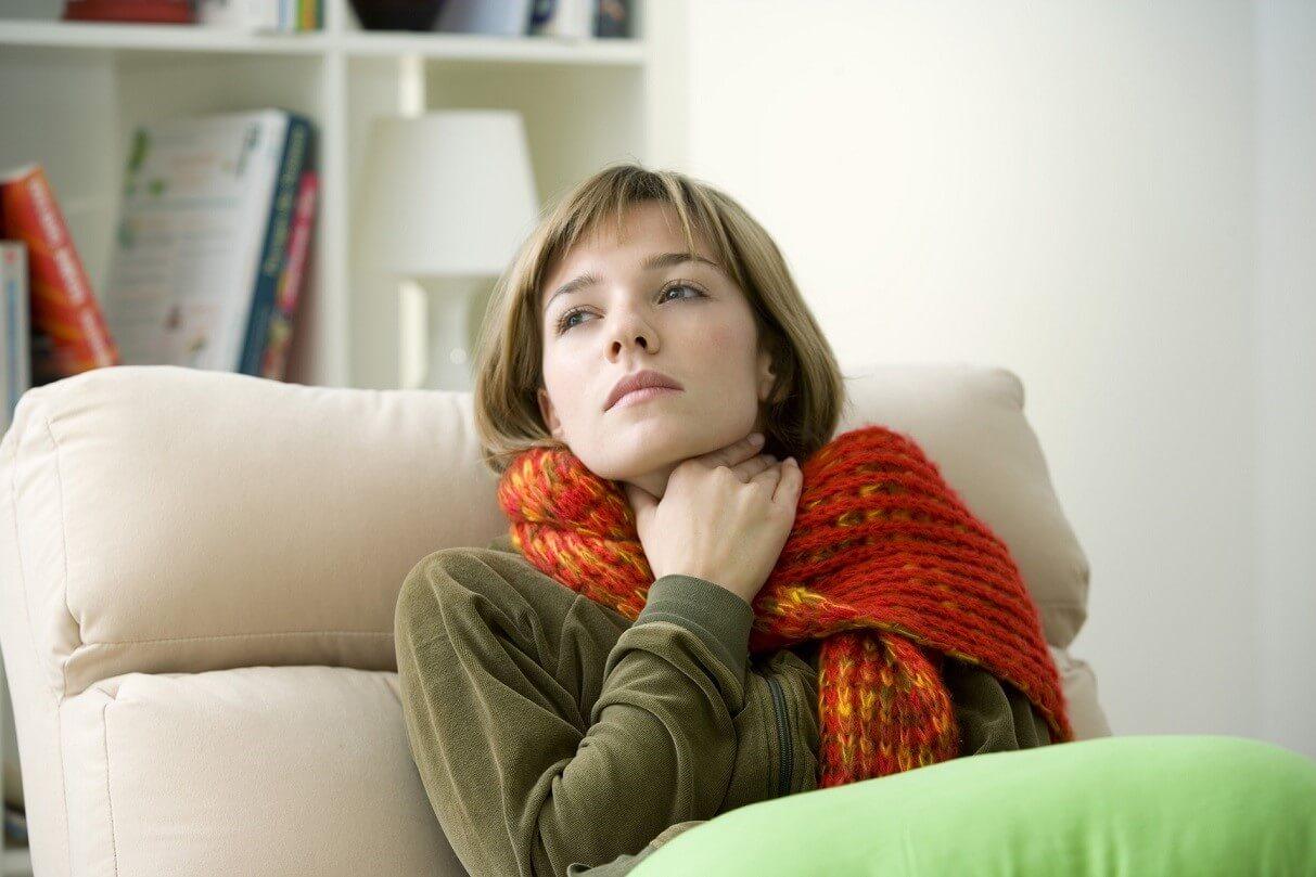 Основные симптомы и опасность золотистого стафилококка у взрослых