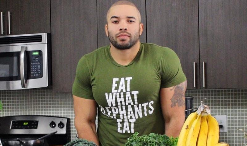 Ep 153: Taking the Guesswork Out of Being Vegan with Dominick Thompson