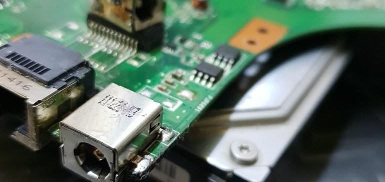 Reparación conector de carga Asus
