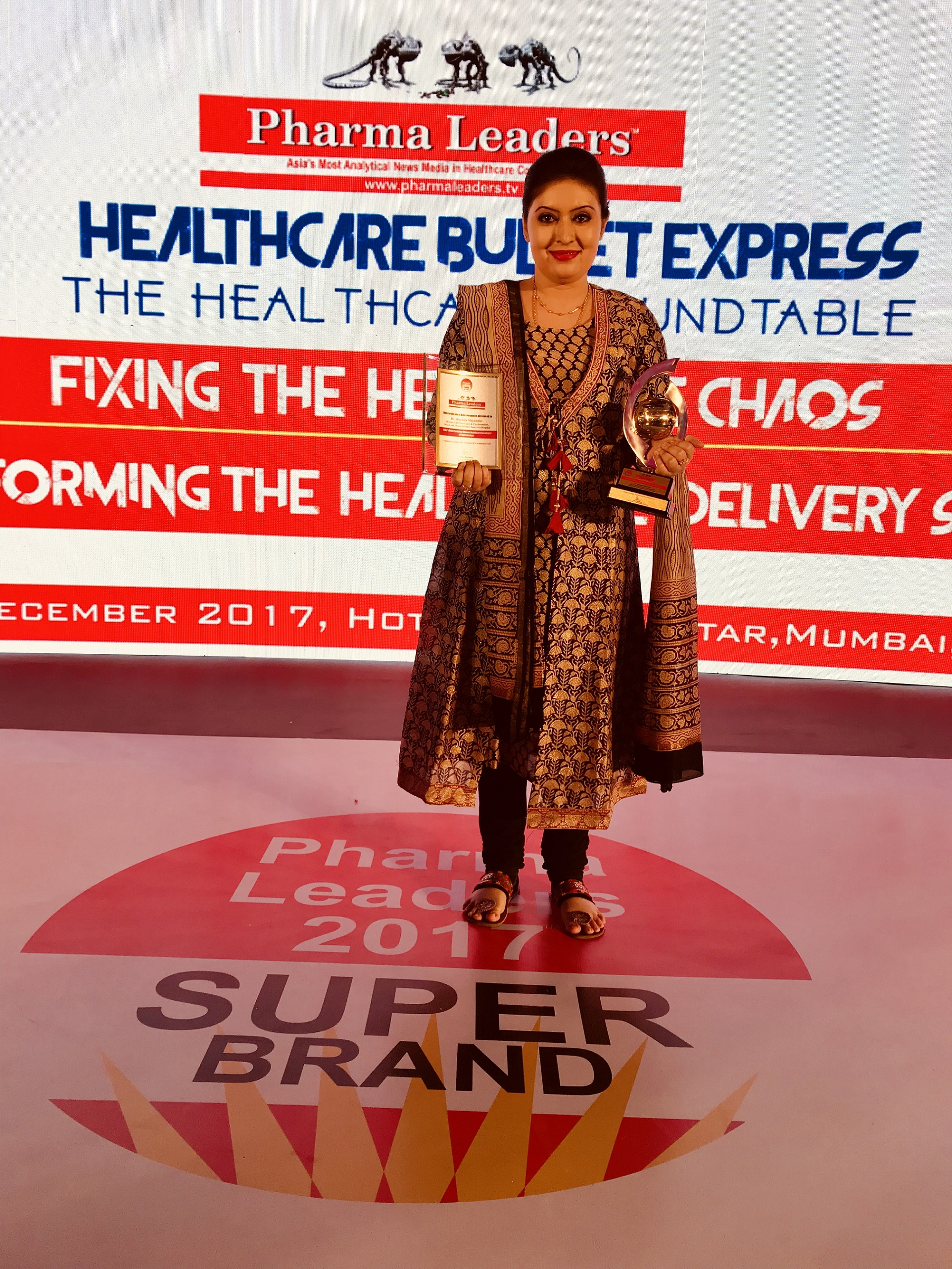 India's Most Promising Woman Healthcare Sexologist & Psychoanalyst award at PLS Power Brand Leadership Awards 2017