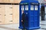 El Doctor en la TARDIS.