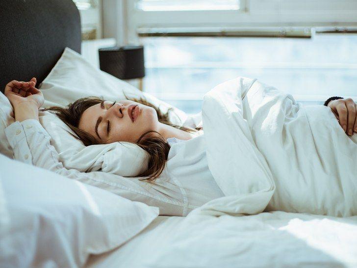 Que manger et quoi éviter pour mieux dormir ?