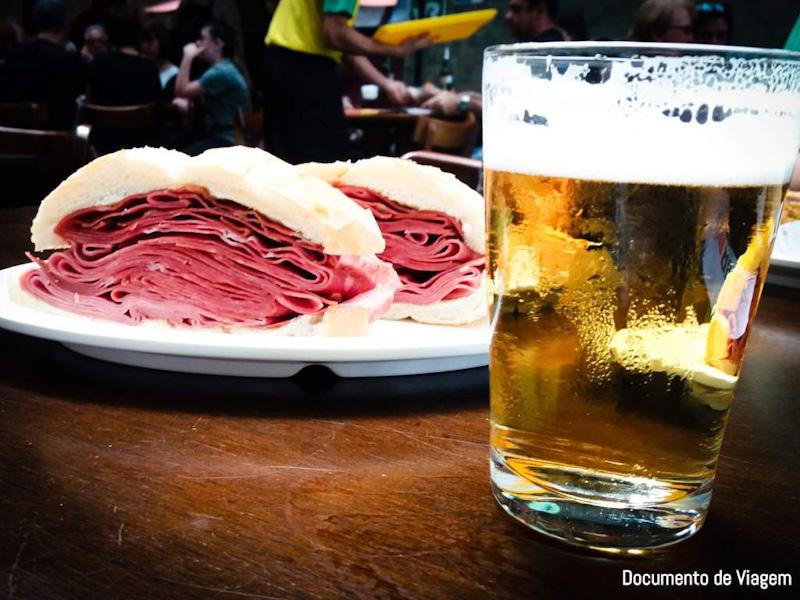 Mercadão de São Paulo pão com mortadela