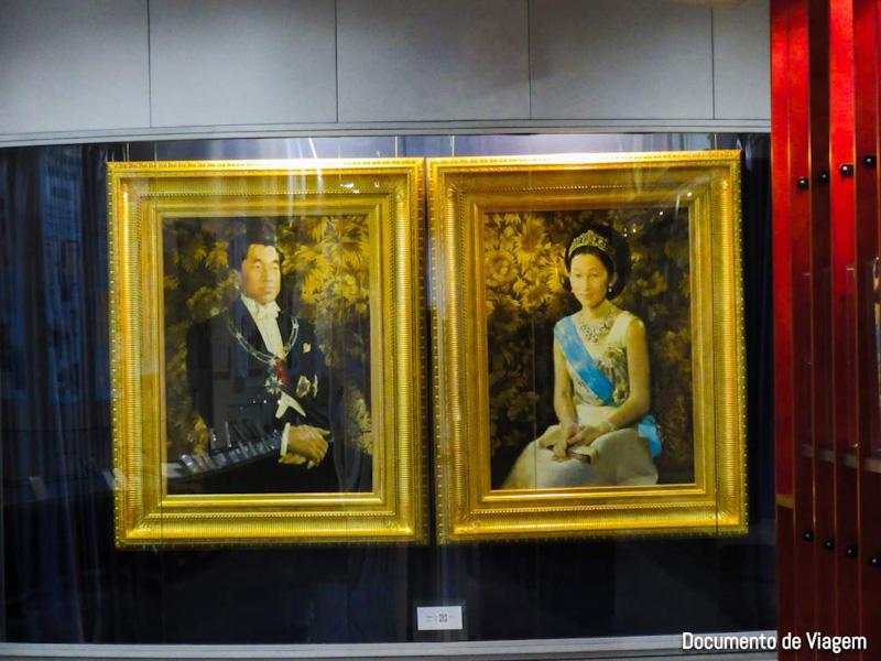 Imperadores japoneses Akihito e Michiko