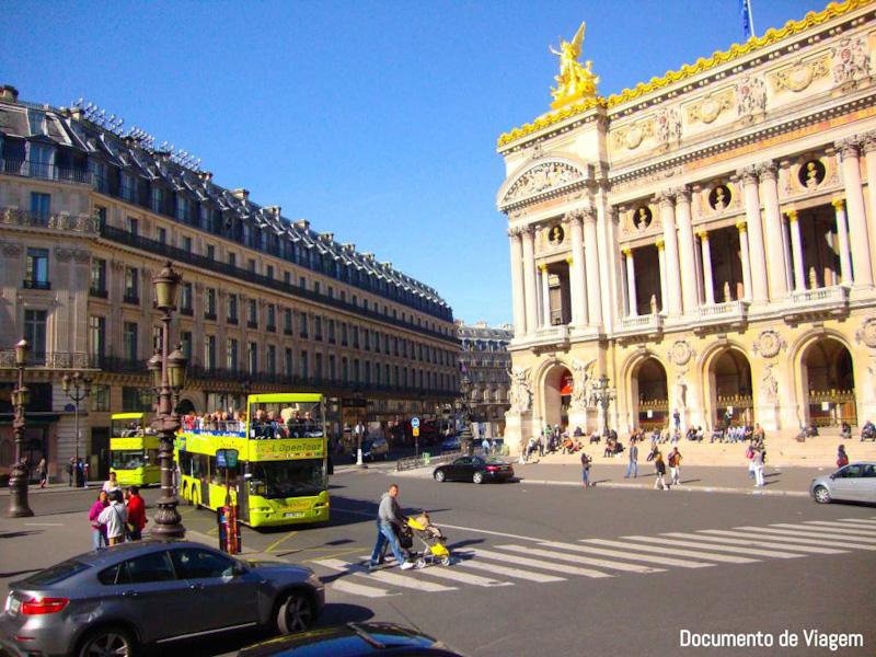 Passeio de ônibus em Paris