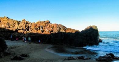 Las Grutas de Punta Ballena