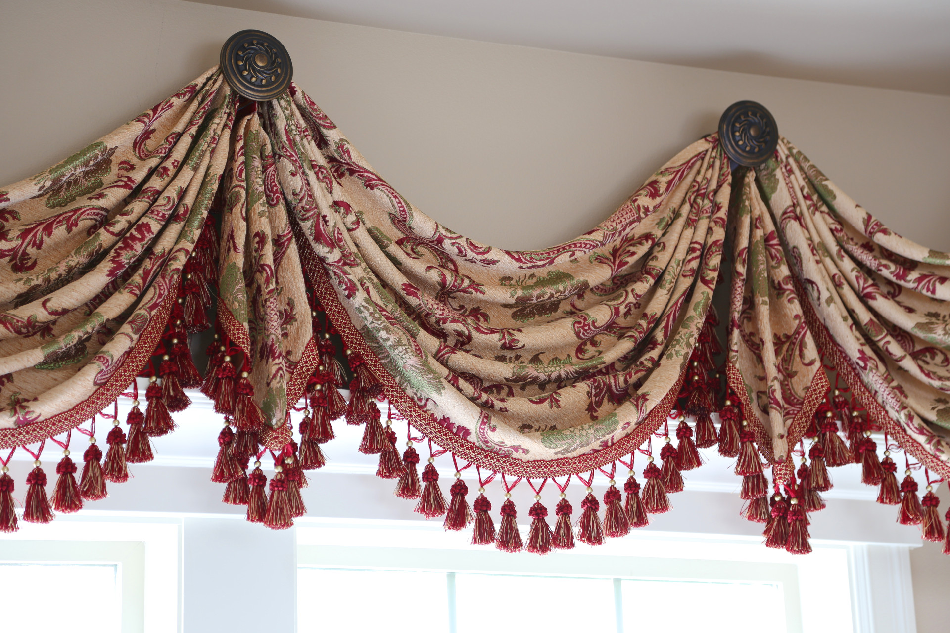Rosy Queen Swags Over Rosette Valance Curtain D S