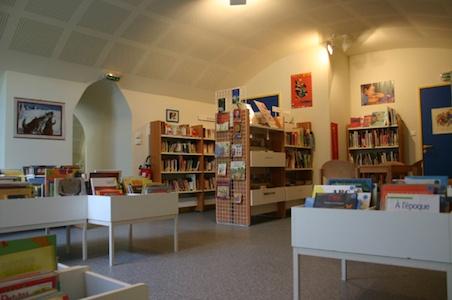 Bibliothèque Châtillon d'Azergues salle
