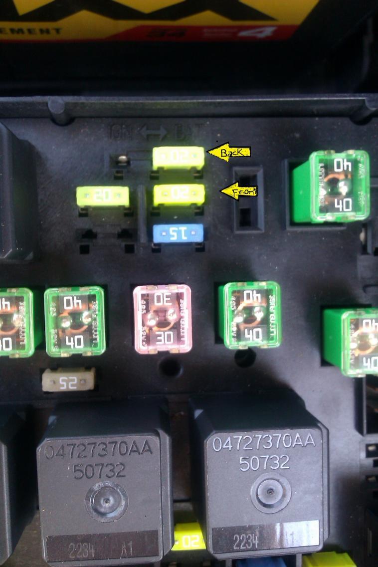 medium resolution of power outlet cig lighter 042 jpg