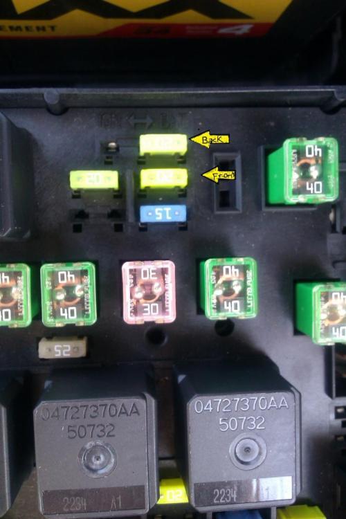 small resolution of power outlet cig lighter 042 jpg