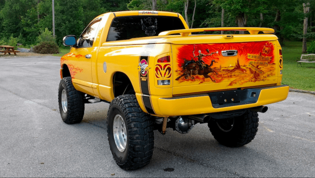 Custom 2005 Dodge Ram 1500 Rumble Bee.